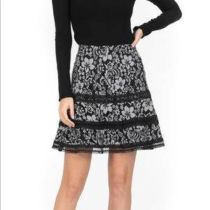 Keepsake Holder Lace Skirt